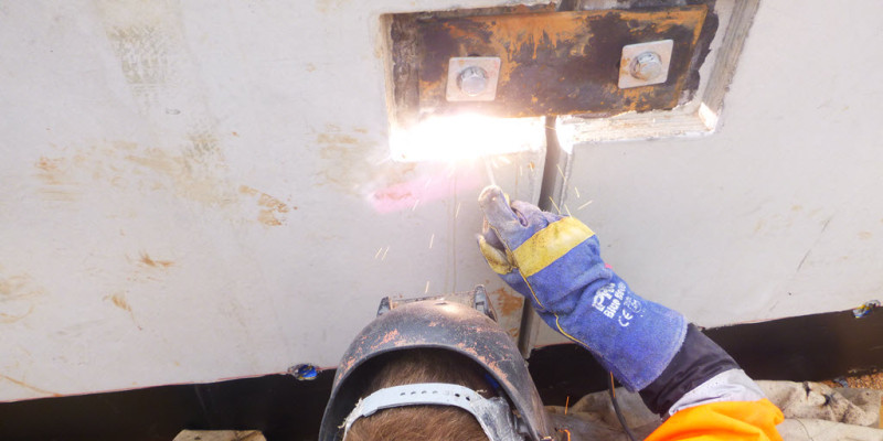Gant and Sons Crane Hire Onsite Welding-08